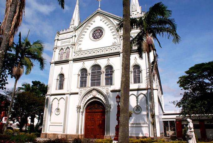 Exposição na Casa da Cultura traz imagens de igrejas da Diocese de Lorena