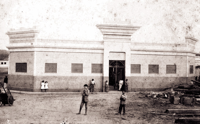 Largo do Mercado em 1913. Acervo DMPAH