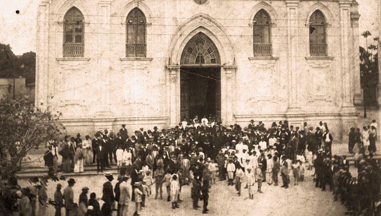 Igreja Matriz nos anos 1940. MISTAU
