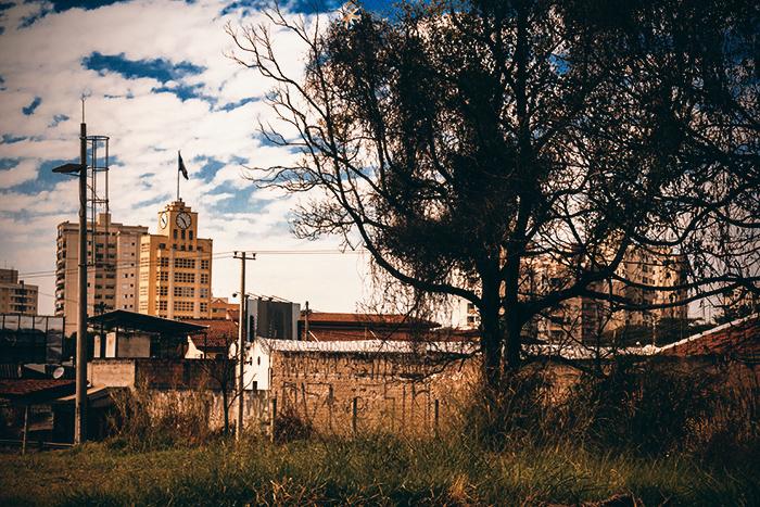 Vista do prédio da CTI, a partir da Vila Edmundo