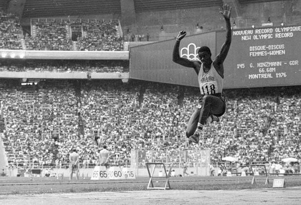 João do Pulo no Panamericano de 1975 no México. (Memória Globo)