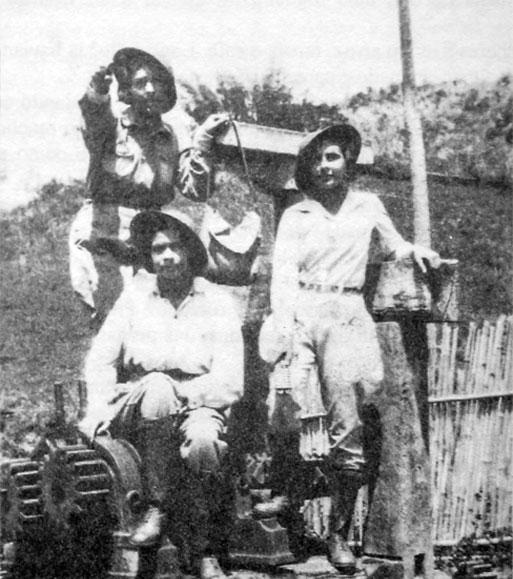 Dulce, Dirce e Maria Thereza Marcondes no bairro São João do Macuco, zona rural de Taubaté e um dos postos de combate durante a Revolução Constitucionalista. (Reprodução do livro Tempo e Memória)